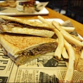 BEAST · Bar & Grill · 野獸美式餐廳P1540904_調整大小1.JPG