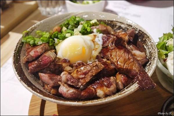 高雄丹路原塊牛排DANRO Steak&RiceP1580648_調整大小1.JPG