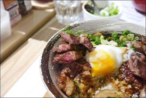 高雄丹路原塊牛排DANRO Steak&RiceP1580669_調整大小1.JPG