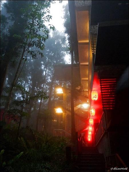 溪頭-妖怪村明山森林會館P1540266_調整大小1.JPG