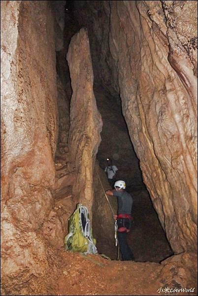 高雄壽山猴洞鐘乳石洞P1630223_調整大小1.JPG