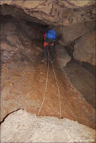 高雄壽山猴洞鐘乳石洞P1630232_調整大小1.JPG
