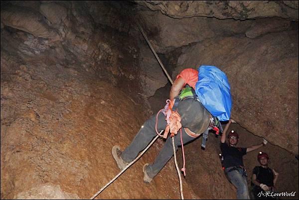 高雄壽山猴洞鐘乳石洞P1630234_調整大小1.JPG