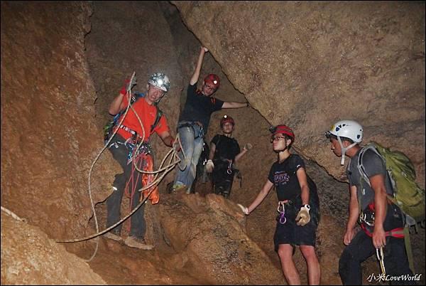 高雄壽山猴洞鐘乳石洞P1630235_調整大小1.JPG