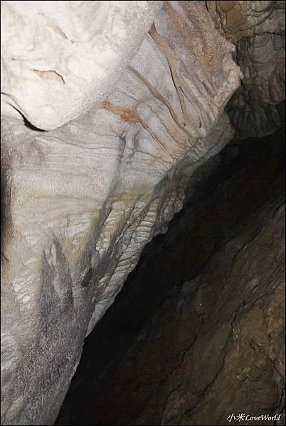 高雄壽山猴洞鐘乳石洞P1630238_調整大小1.JPG