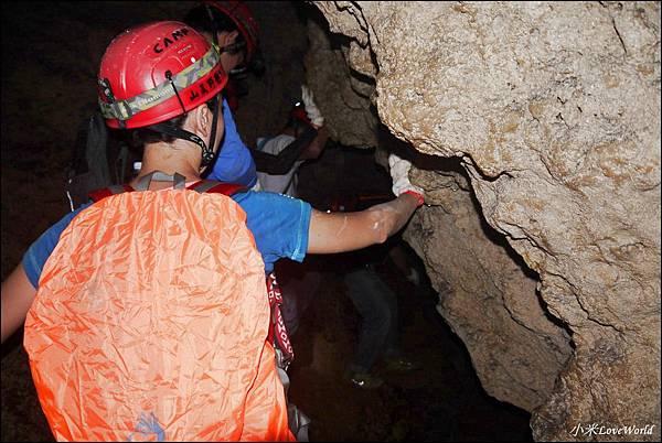 高雄壽山猴洞鐘乳石洞P1630249_調整大小1.JPG