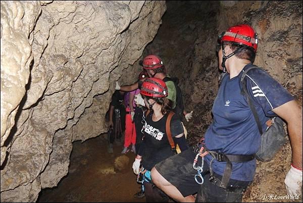 高雄壽山猴洞鐘乳石洞P1630253_調整大小1.JPG