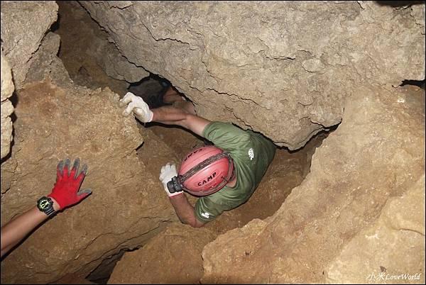 高雄壽山猴洞鐘乳石洞P1630263_調整大小1.JPG