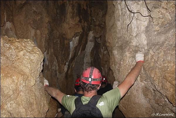 高雄壽山猴洞鐘乳石洞P1630264_調整大小1.JPG
