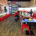 BRICK WORKS樂高積木主題餐廳(高雄店) P1630989_調整大小1.JPG