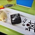 BRICK WORKS樂高積木主題餐廳(高雄店) P1640084_調整大小1.JPG