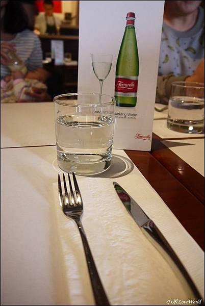 唇義義大利餐酒館P1640487_調整大小1.JPG