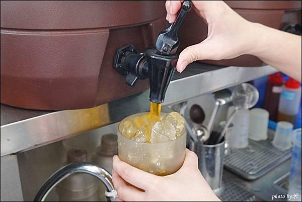 台南台灣小茶P1670447_調整大小1.JPG