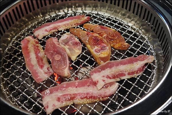 好客燒烤-高雄店 - 新光三越三多店P1690969_調整大小1.JPG
