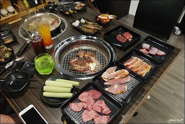 好客燒烤-高雄店 - 新光三越三多店P1700042_調整大小1.JPG