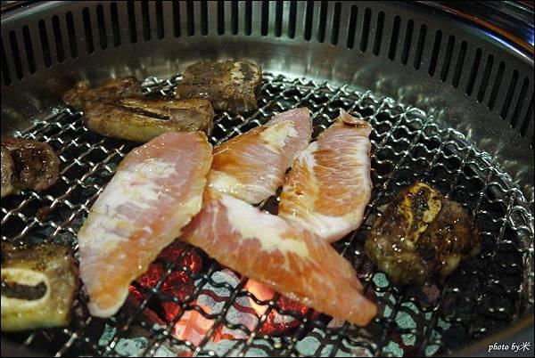 好客燒烤-高雄店 - 新光三越三多店P1700075_調整大小1.JPG
