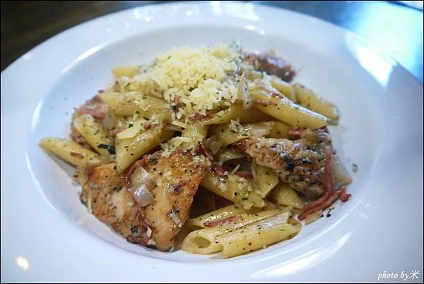 高雄佐佐義cucina pasta(民享店)P1680446_調整大小1.JPG