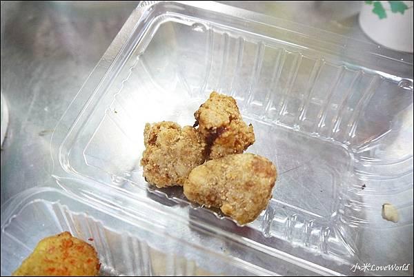 嘉義基隆廟口鹹酥雞P1760249_調整大小1.JPG