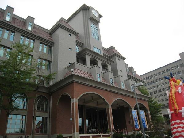 行政大樓-巴洛克式建築.jpg