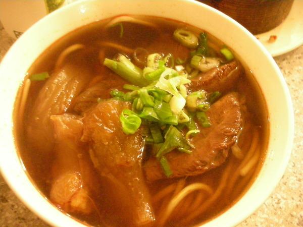 川味牛肉麵NT170.JPG