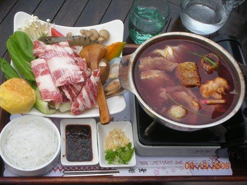 藏酒酒莊-香根紅酒鍋.jpg