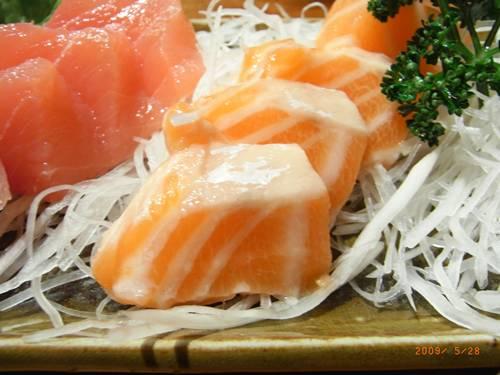 你看看這鮭魚......JPG