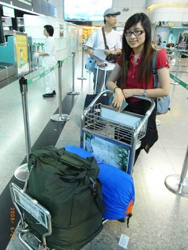 一年的行李.JPG