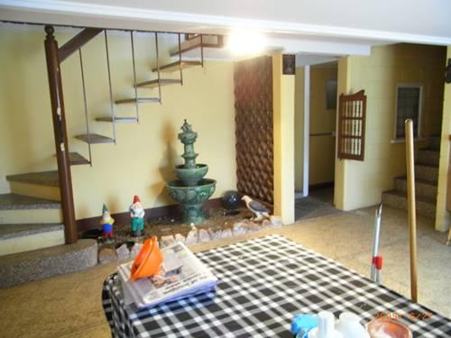 樓梯走下去有地下室.JPG