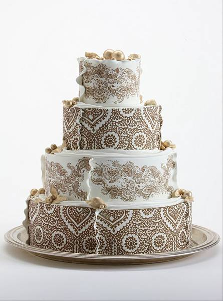 Gold Mehndi Cake