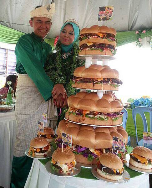 funny-wedding-cake-burger