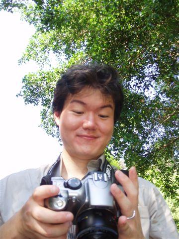 2005.05.17苗栗 假面藝術節20-1--哈尼有很多拍照片的姿勢!