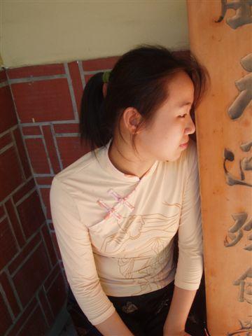 2005.05.17苗栗 假面藝術節23-2--Phanix女友側影照