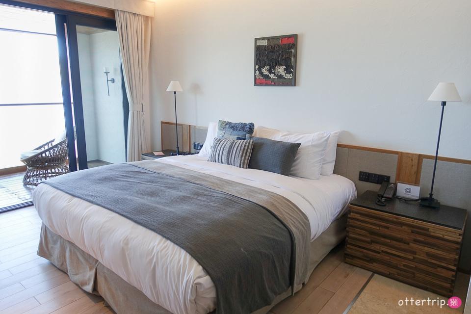 中國大陸雲南 瀘沽湖的面湖設計酒店 「六閱•普若瓦藍」親愛的客棧就在對面