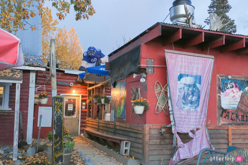 阿拉斯加Talkeetna住宿,餐廳推薦 Talkeetna Love-Lee Cabins床很好睡的小木屋