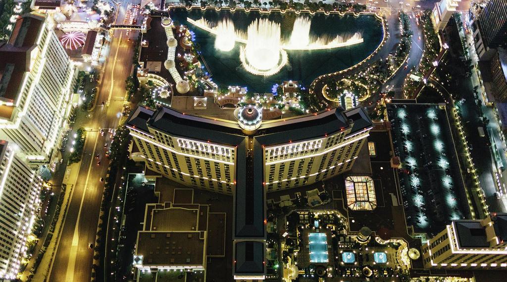 bellagio-hotel-exterior-aerial-above