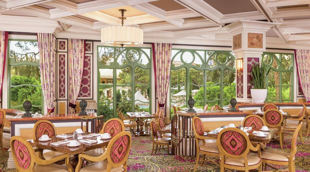 bellagio-restaurants-cafe-bellagio-interior