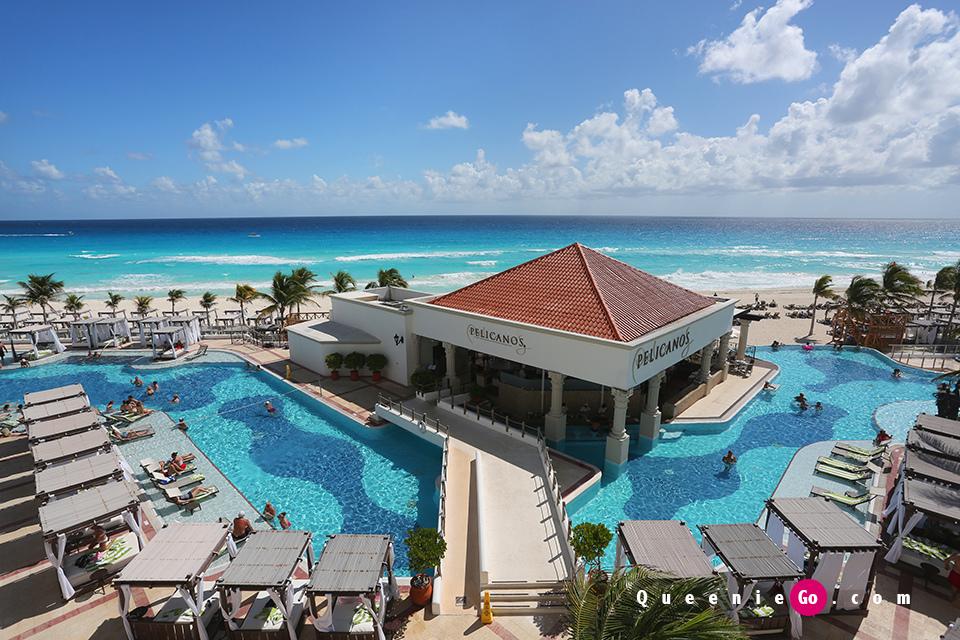 坎昆位置絕佳的加勒比海全包酒店床上看日出