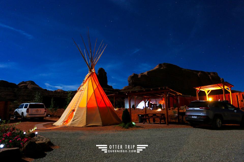 美國紀念碑谷住宿 Monument Valley Tipi Village 馬蹄灣月蝕紀念碑谷日出