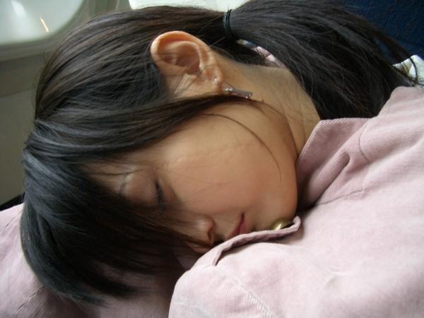 累到睡著了