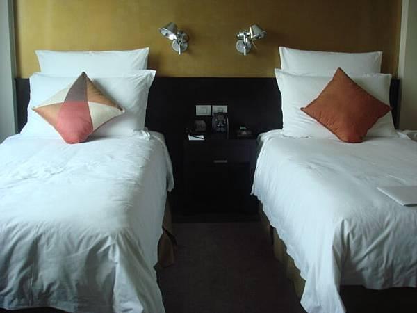 五星級飯店的大廳很氣派,但房間..普通