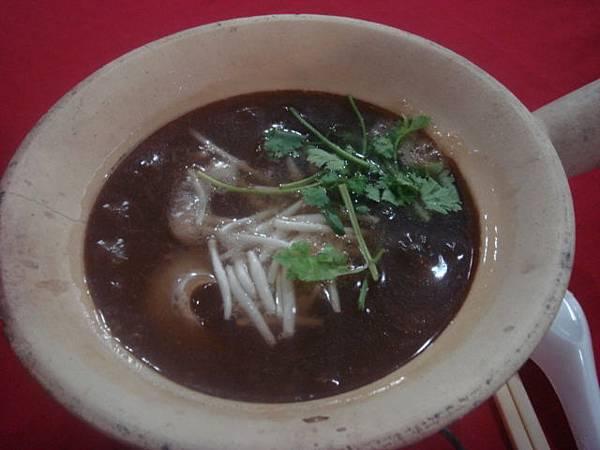 到泰國絕對要吃便宜又大碗的魚翅