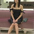 洋裝很美,但...滿露的