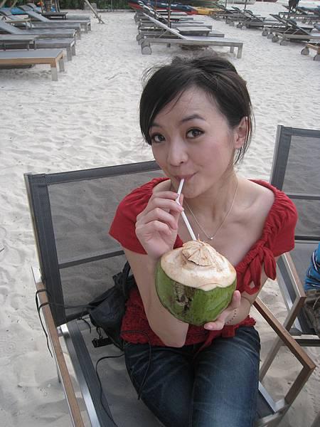 到泰國必喝的椰子