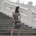 寒冬中,穿著精品春裝,站在中正紀念堂拍照,好妙的經驗