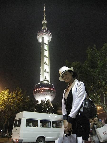 開拍前趁空去上海市逛街-並不是所有購物袋都是我的喔