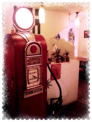 這一大台是復古點唱機.jpg