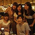 今晚的五位女孩合照~~