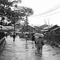 28_雨天的霧社街.jpg