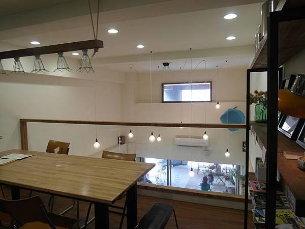 甘丹二樓用餐區