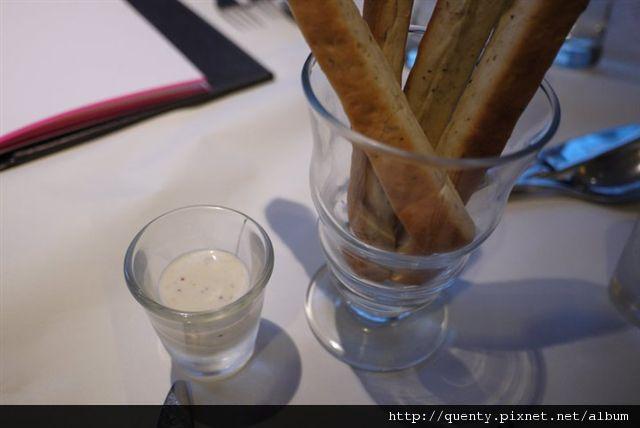 迭香火柴麵包之美味凱薩醬